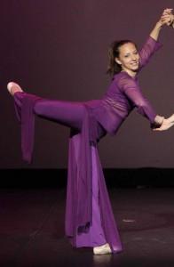 Elève Temps Danse Asnières position attitude chorégraphie danse classique