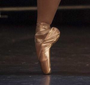 Cou de pied pointe élève Temps Danse Asnières