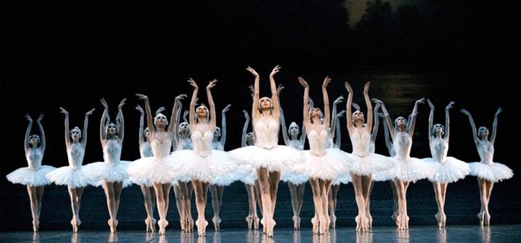 Le Lac des Cygnes par le Ballet de l'Opéra de Paris