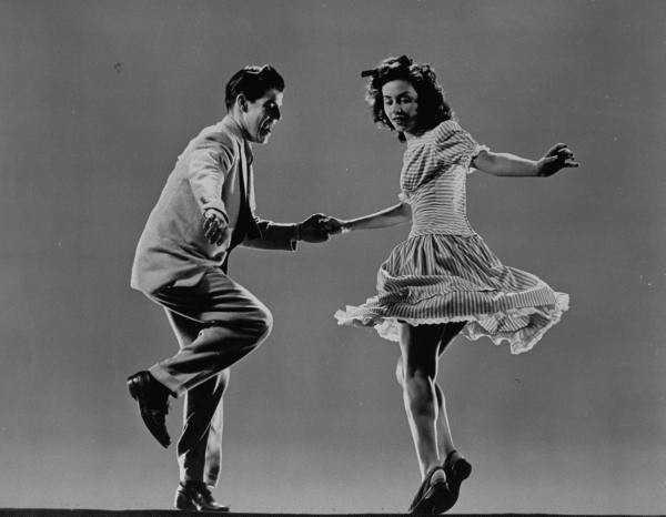 swing_dancing